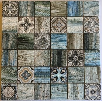 Notre mosaïque de pierres naturelles FLORENCE est une mosaïque de style rétro.