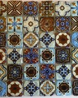 Vetro Mosaico VENEZIA Multicolor è un mosaico in stile retrò.