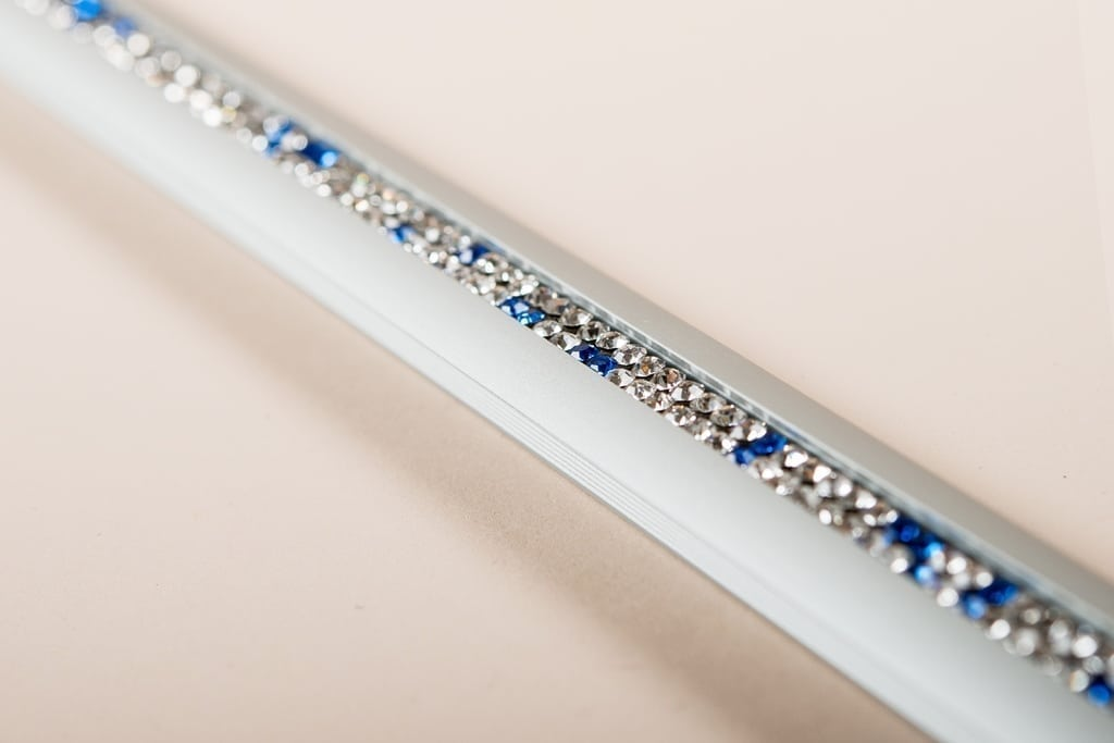 Alu-Crystal Matt-Silber weiss-blau