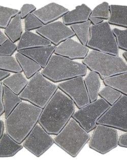 CRUSH Ice Grey sind Flache Marmor Bruchstein Mosaike in diversen Farbtönen.